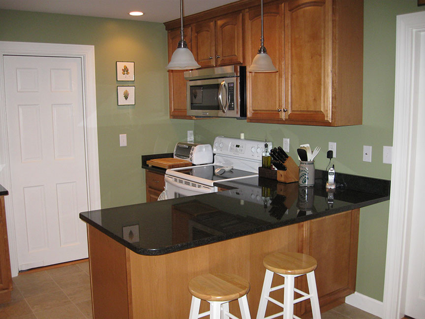 Kitchen Remodel – New island and granite countertops